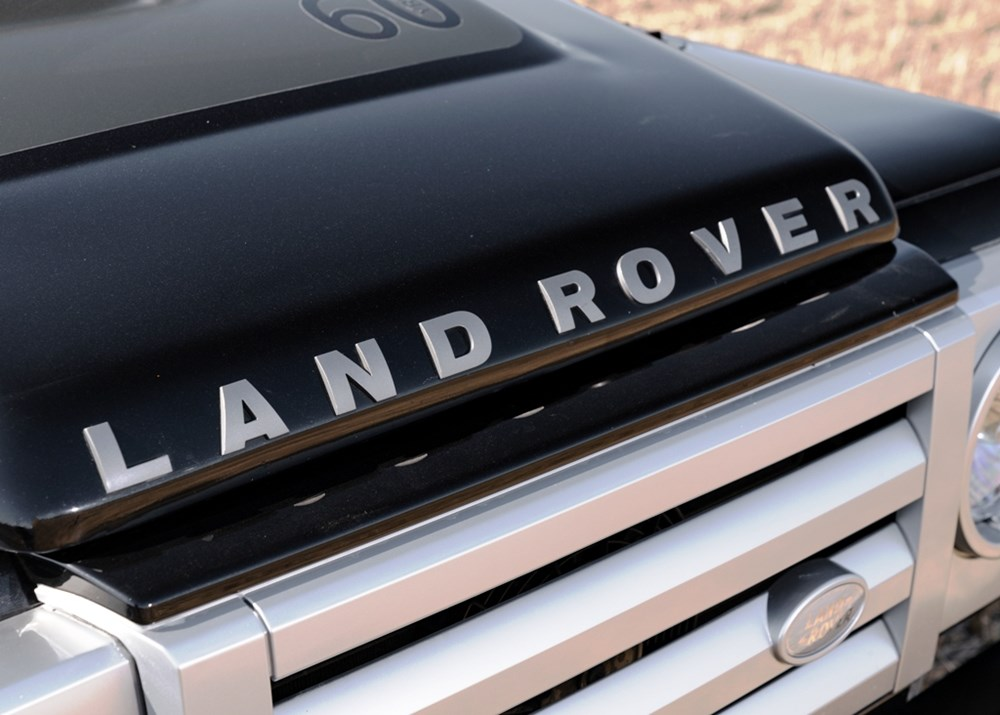 2009 Land Rover Defender SVX 60th Anniversary Limited Edition - Image 6 of 9