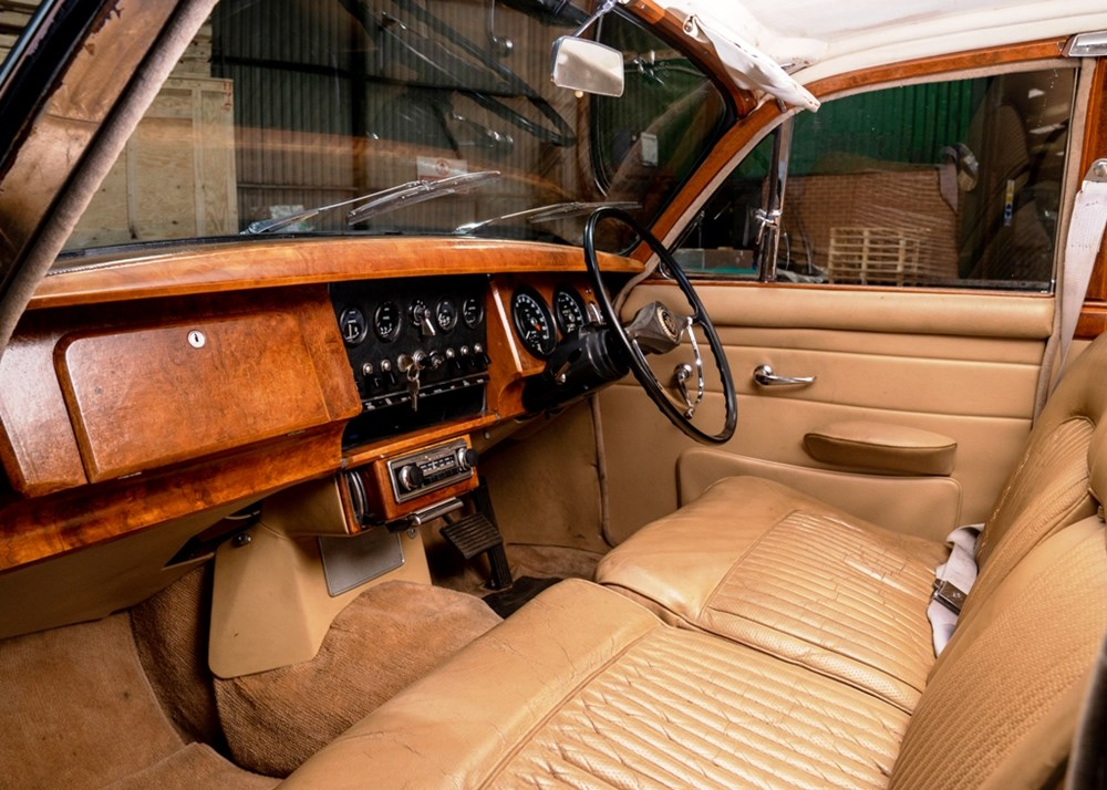 1968 Daimler 250 V8 Saloon - Image 5 of 9
