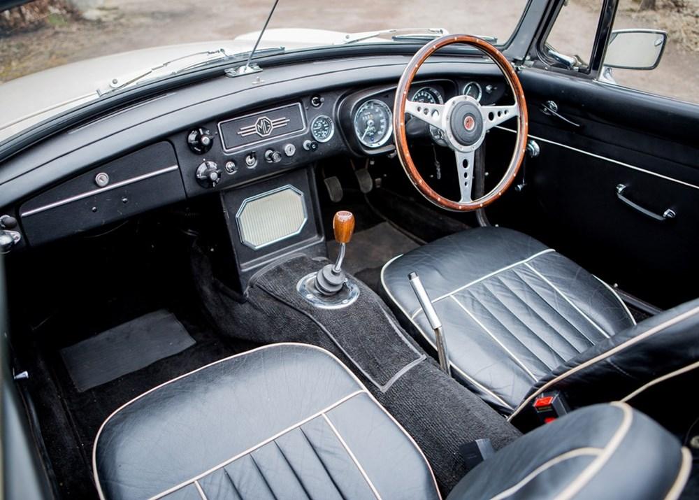 1967 MG B Roadster - Image 3 of 9