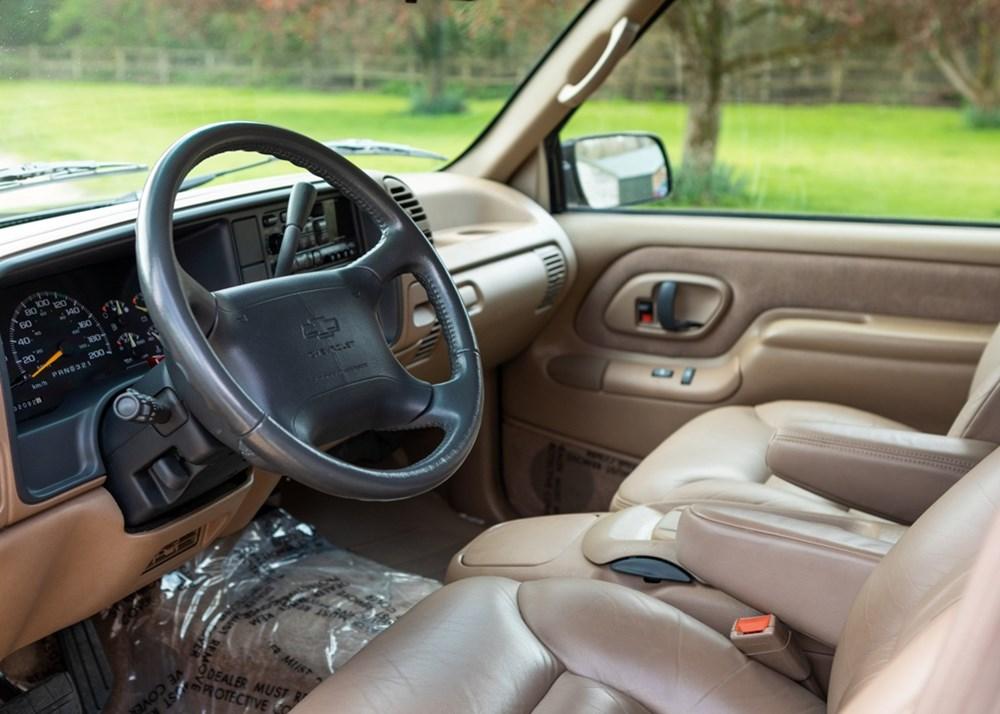 1995 Chevrolet Suburban LT2500 - Image 3 of 7