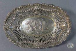 1 ovale Schale Silber (800/000), deutsch, Punze: Halbmond und Krone vertiefte Form, Spiegel mit