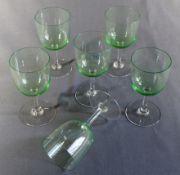 6 Weingläser, hellgrüne Kuppas, H ca. 12,5cm