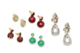 FIVE MULTICOLOURED PAIRS OF EARRINGS