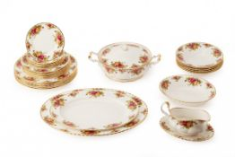 A ROYAL ALBERT OLD COUNTRY ROSES DINNER SERVICE