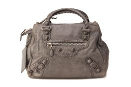 A BALENCIAGA 'CLASSIC CITY' GREY LEATHER HANDBAG