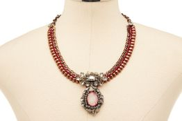 A RADÀ PINK STONE PENDANT WITH DIAMANTÉ ORNAMENTS, ON CHAIN