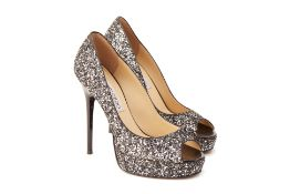 A PAIR OF JIMMY CHOO SILVER SPARKLY HEELS EU 36