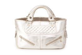 A CELINE SILVERTONE LEATHER HANDBAG