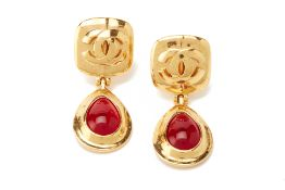 A PAIR OF CHANEL GILT AND RED PASTE DROP EARRINGS