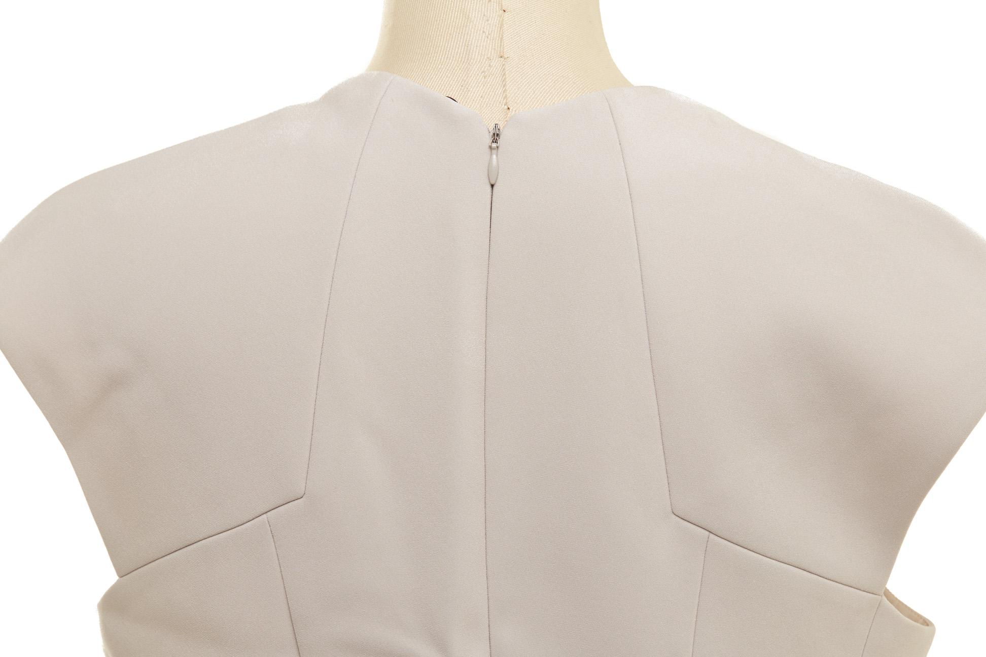 A BOTTEGA VENETA LIGHT GREY SHIFT DRESS - Image 3 of 3