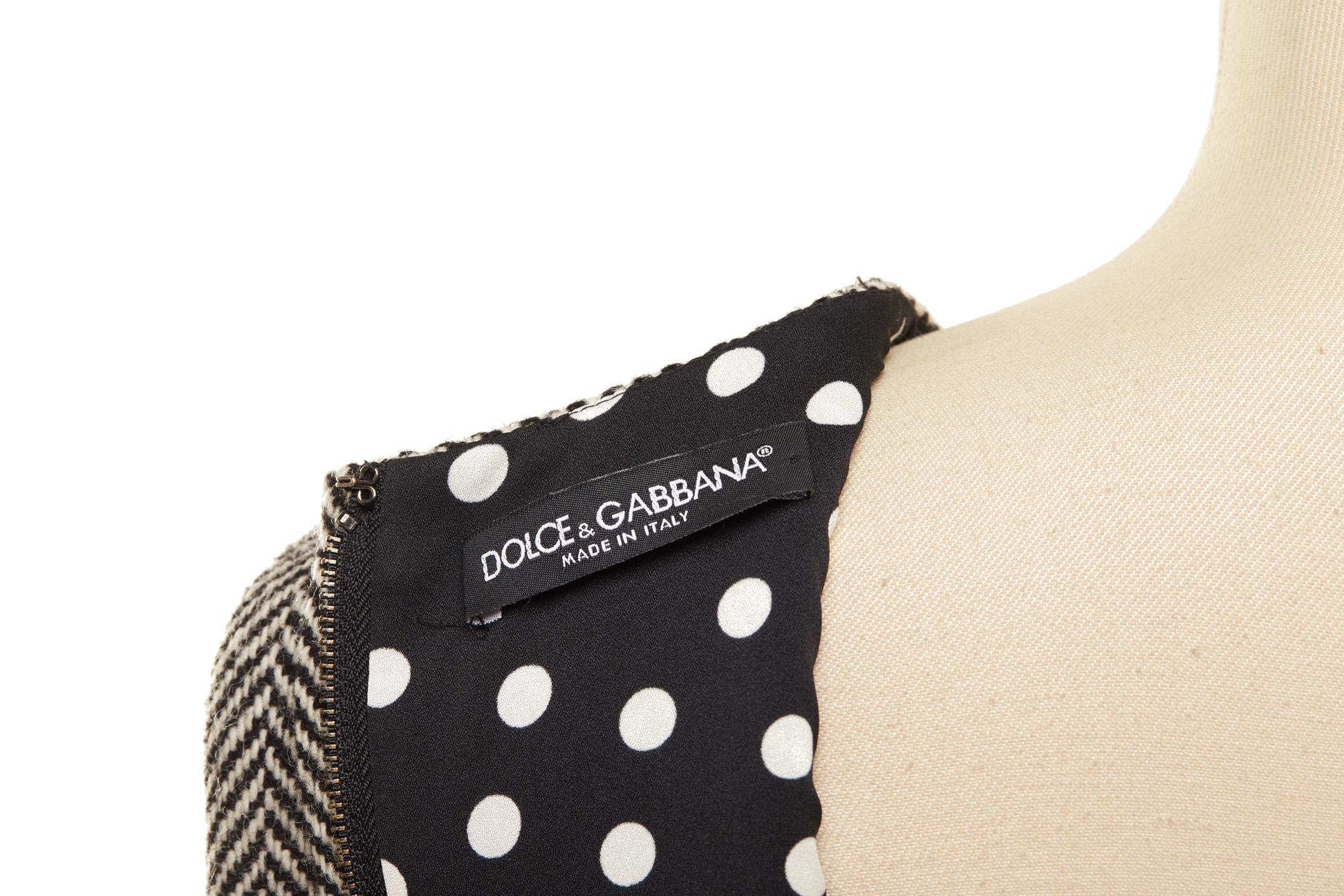 A DOLCE & GABBANA GREY HERRINGBONE TWEED DRESS - Image 3 of 3