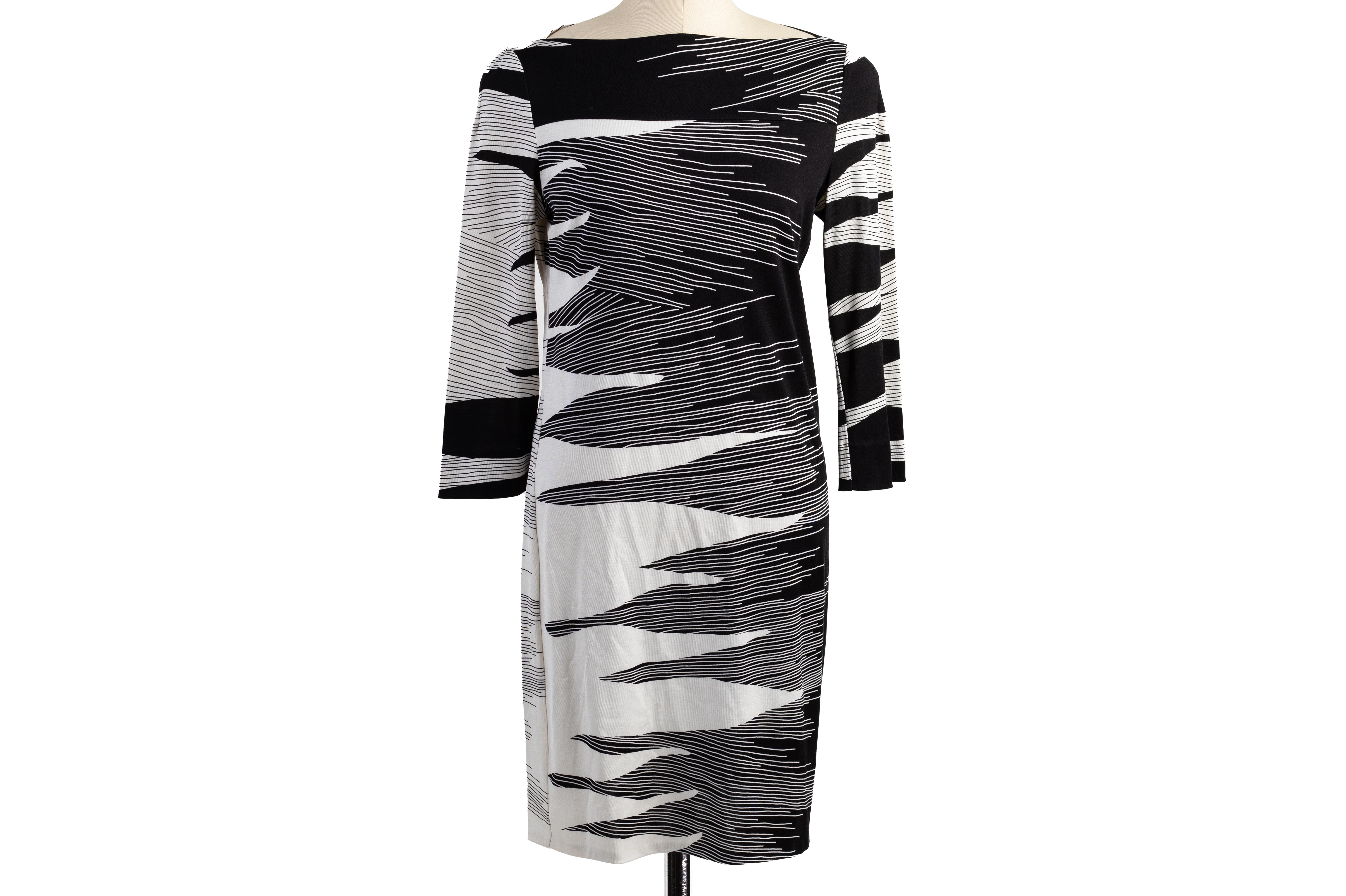 A DIANE VON FURSTENBERG BLACK & WHITE LONG SLEEVE DRESS