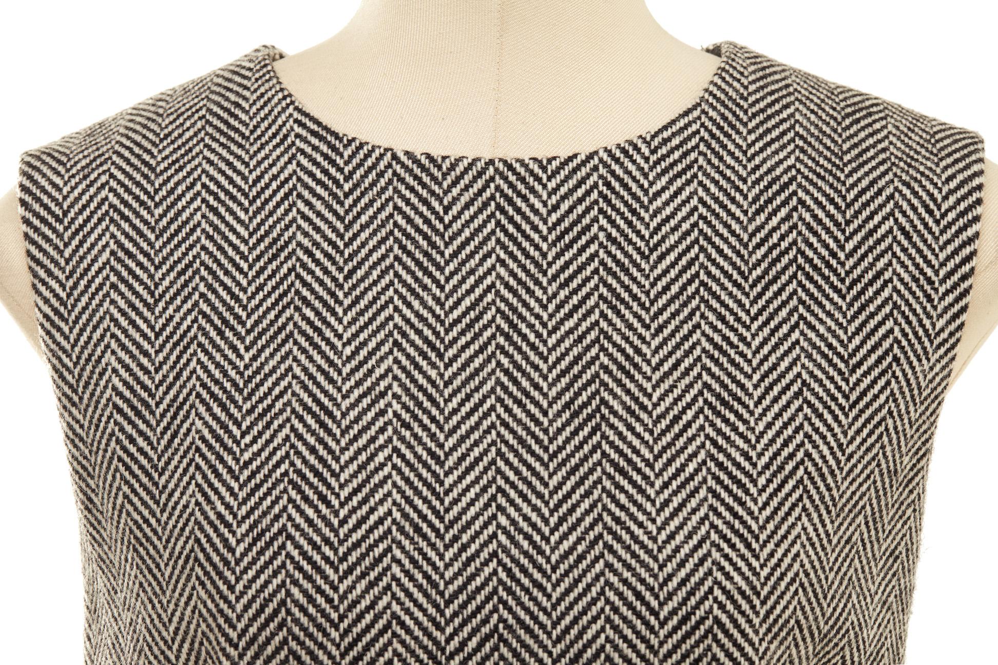 A DOLCE & GABBANA GREY HERRINGBONE TWEED DRESS - Image 2 of 3