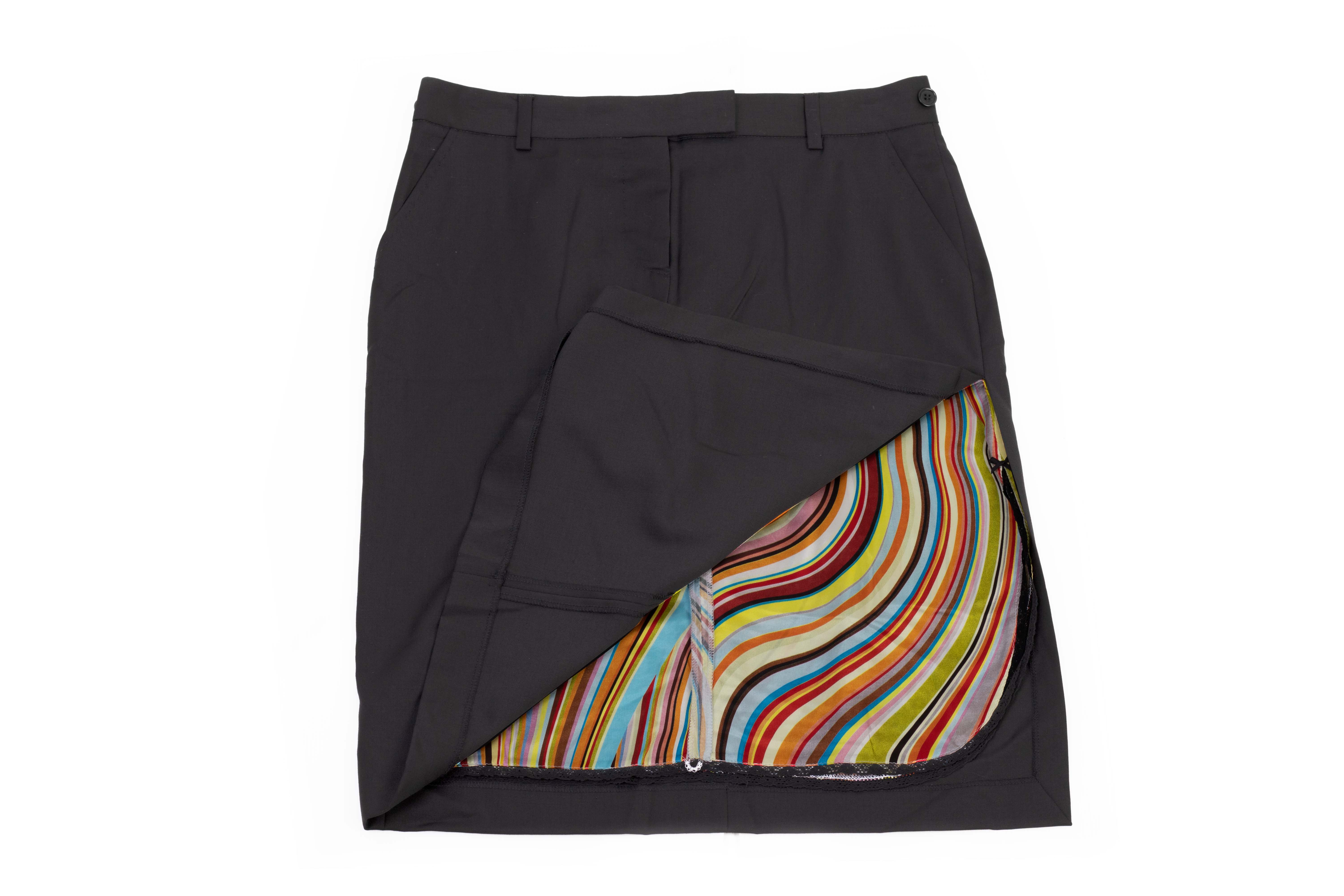 A PAUL SMITH BLACK SKIRT - Image 2 of 3