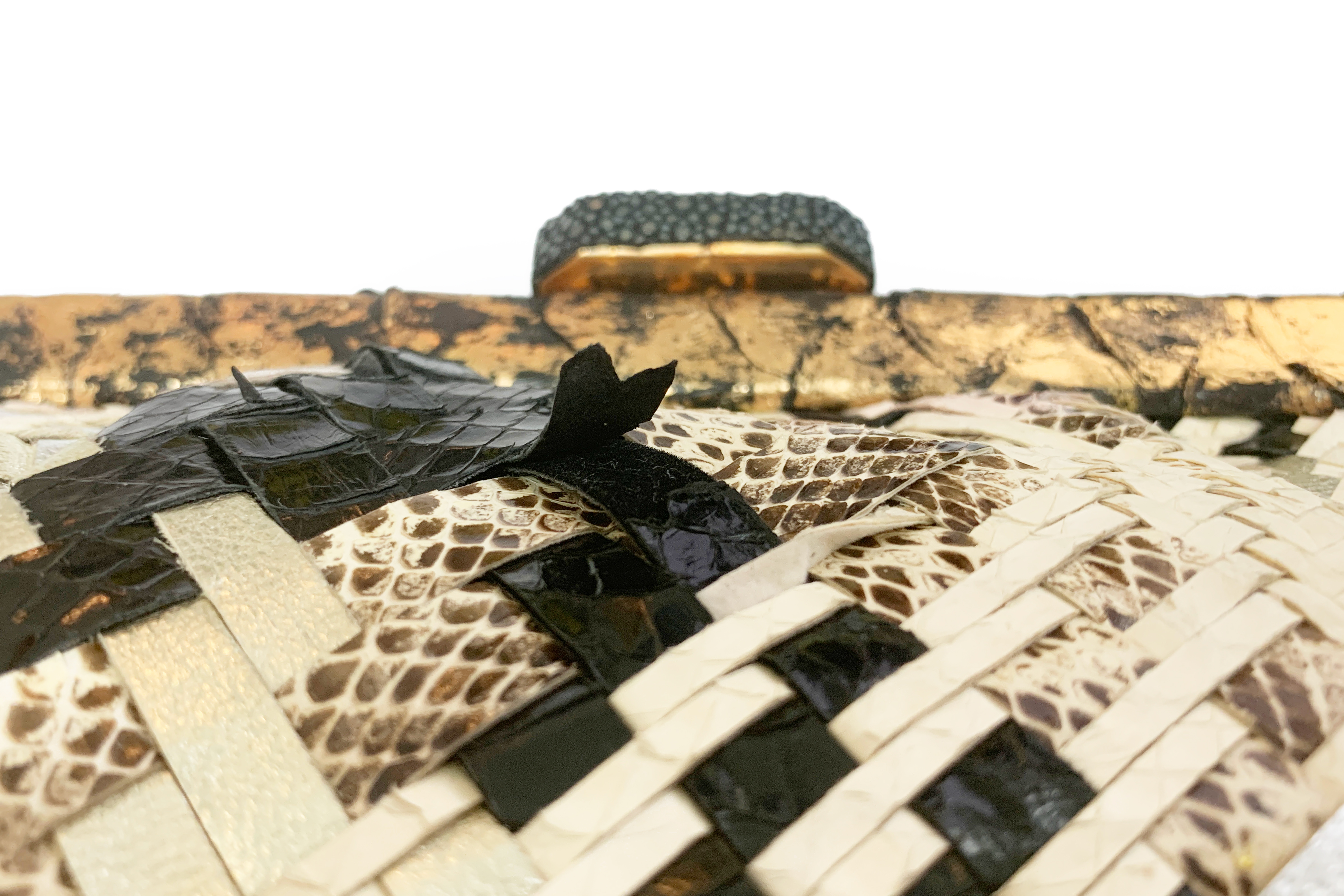 AN ANA MULTICOLOURED SNAKESKIN WEAVED CLUTCH - Image 4 of 5