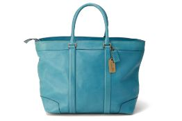 A COACH LARGE BLUE LEATHER TOTE BAG