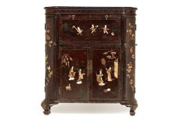 A CHINESE LACQUER AND HARDSTONE INLAID BAR CABINET