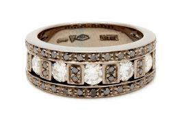 A DAMIANI DIAMOND RING