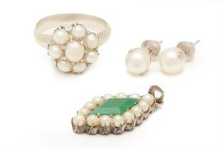 A GROUP OF PERANAKAN WHITE METAL AND PEARL JEWELLERY
