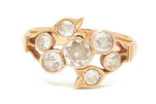 AN ANTIQUE GOLD AND DIAMOND RING