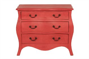 A PAINTED SERPENTINE CHEST OF DRAWERS