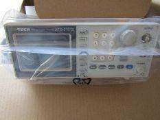 ISO-TECH AFG-21012 Arbitrary Waveform Generator 12MHz DDS Signal - J12 7816837