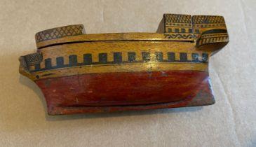 Antique Treen Wooden Ship Shaped Snuff Box 120mm x 50mm x 30mm.