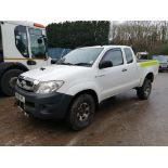 10/10 TOYOTA HILUX HL2 D-4D 4X4 ECB - 2494cc 2dr Pickup (White, 153k)