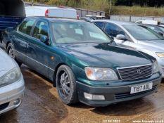 1999 LEXUS LS400 AUTO - 3969cc 4dr Saloon (Green, 215k)
