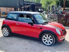 03/52 MINI MINI COOPER - 1598cc 3dr Hatchback (Red, 127k)