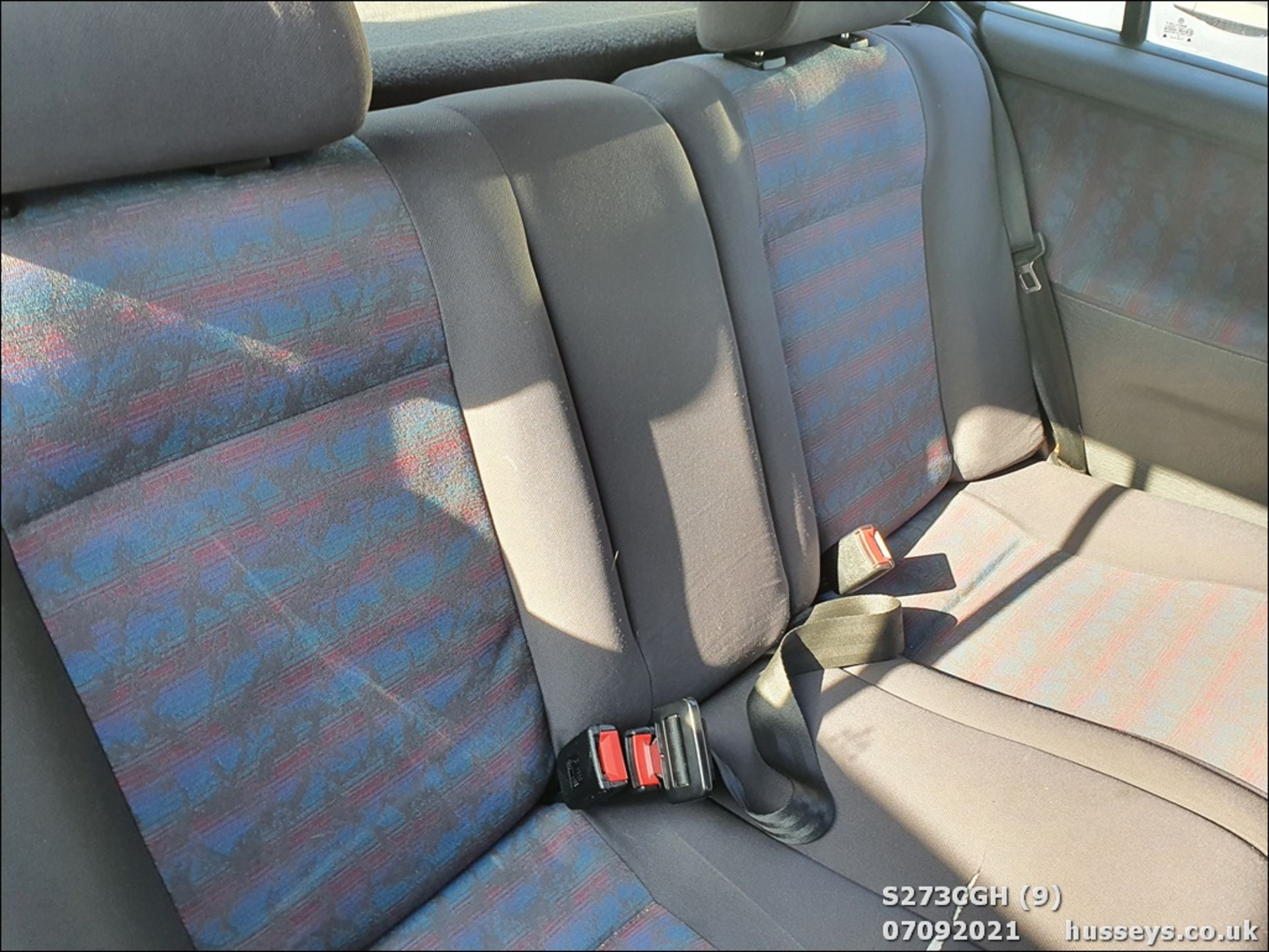 1998 VOLKSWAGEN POLO 1.6 GL AUTO - 1598cc 5dr Hatchback (Silver, 113k) - Image 9 of 13