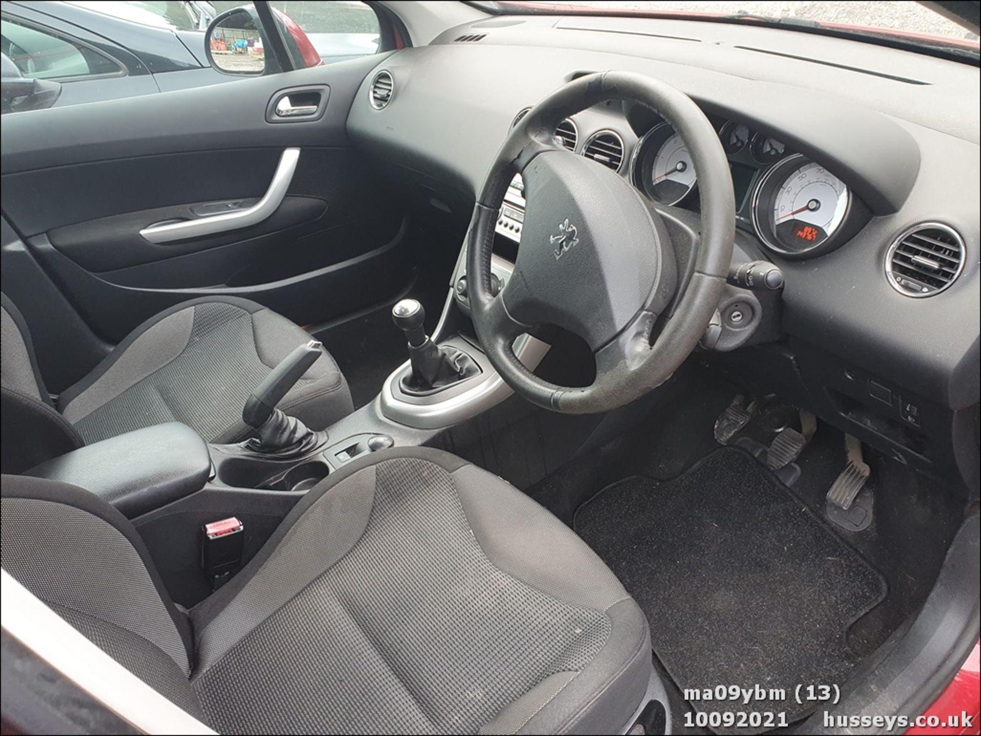 09/09 PEUGEOT 308 SE HDI - 1560cc 5dr Hatchback (Red) - Image 13 of 19