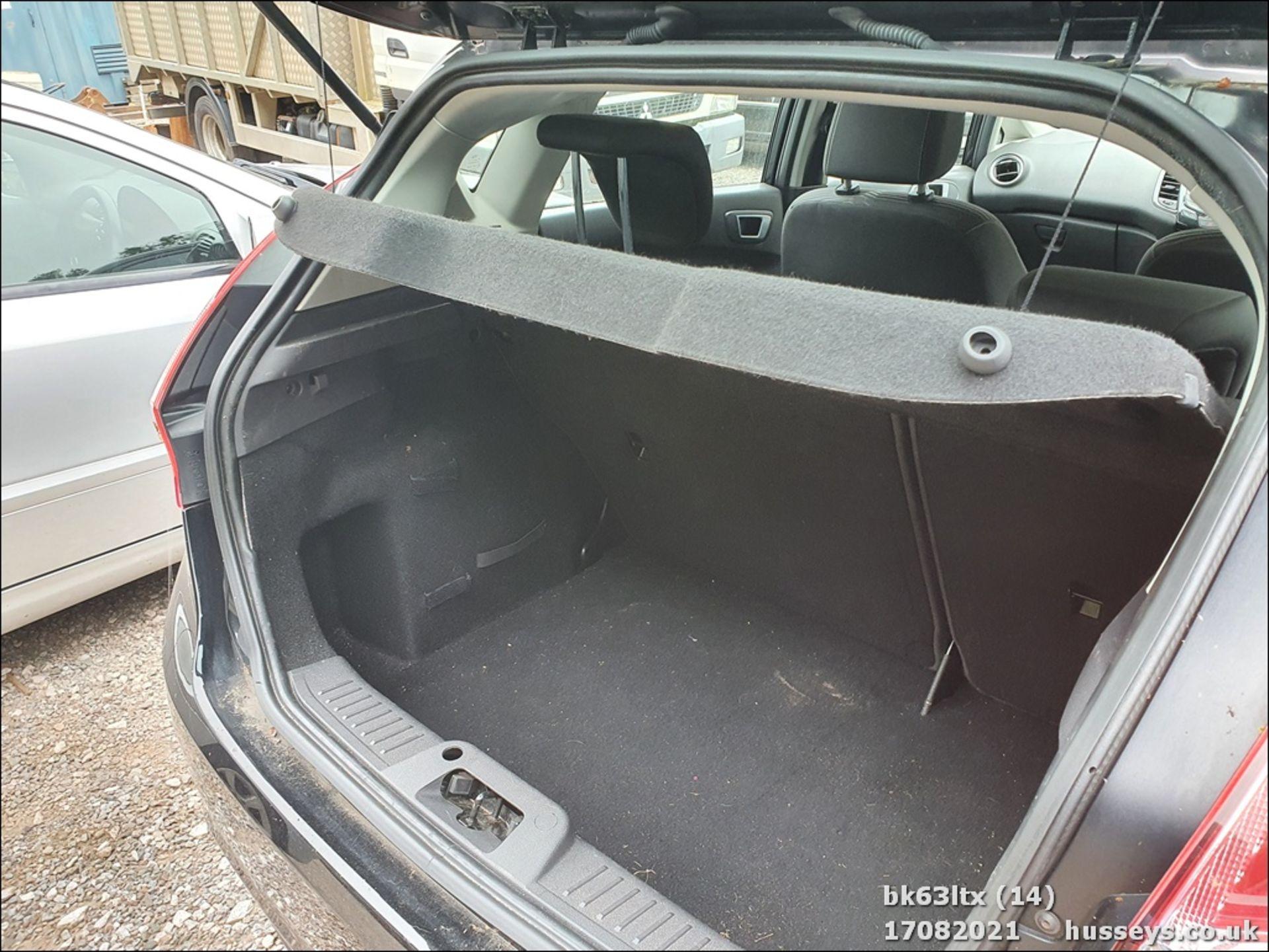 13/63 FORD FIESTA ZETEC - 998cc 5dr Hatchback (Black, 53k) - Image 15 of 16