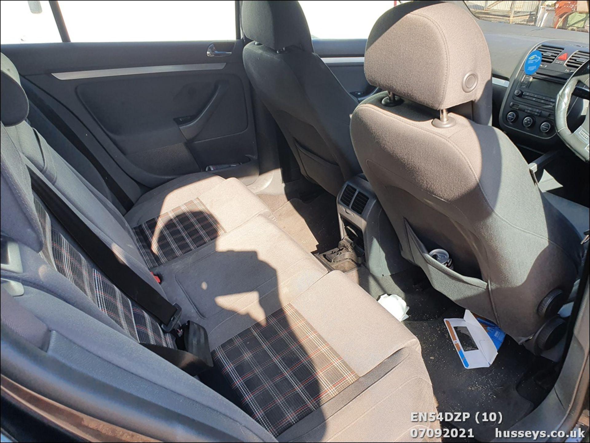 05/54 VOLKSWAGEN GOLF GTI - 1984cc 5dr Hatchback (Black, 117k) - Image 10 of 14