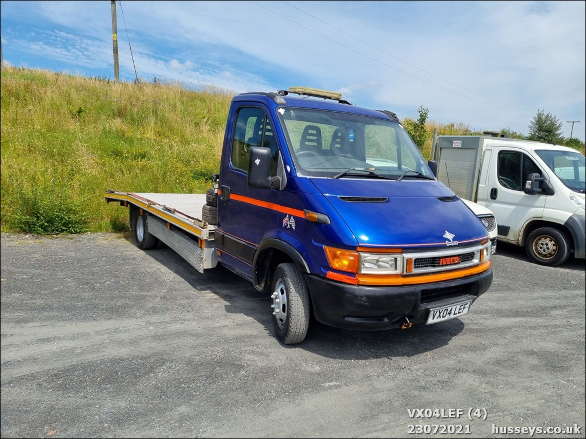 04/04 IVECO DAILY 50C15 4.4WB - 2800cc (Blue) - Image 4 of 9