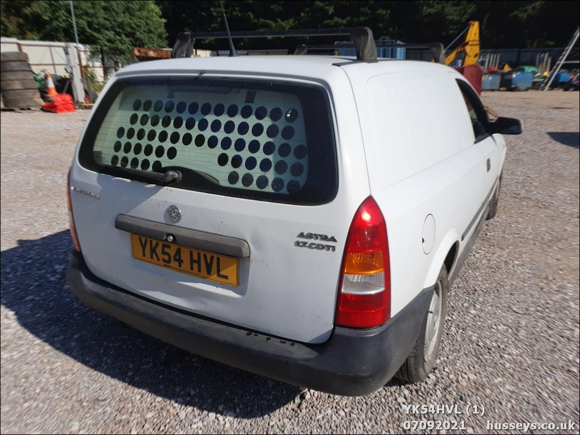 05/54 VAUXHALL ASTRAVAN ENVOY CDTI - 1686cc Van (White) - Image 2 of 15