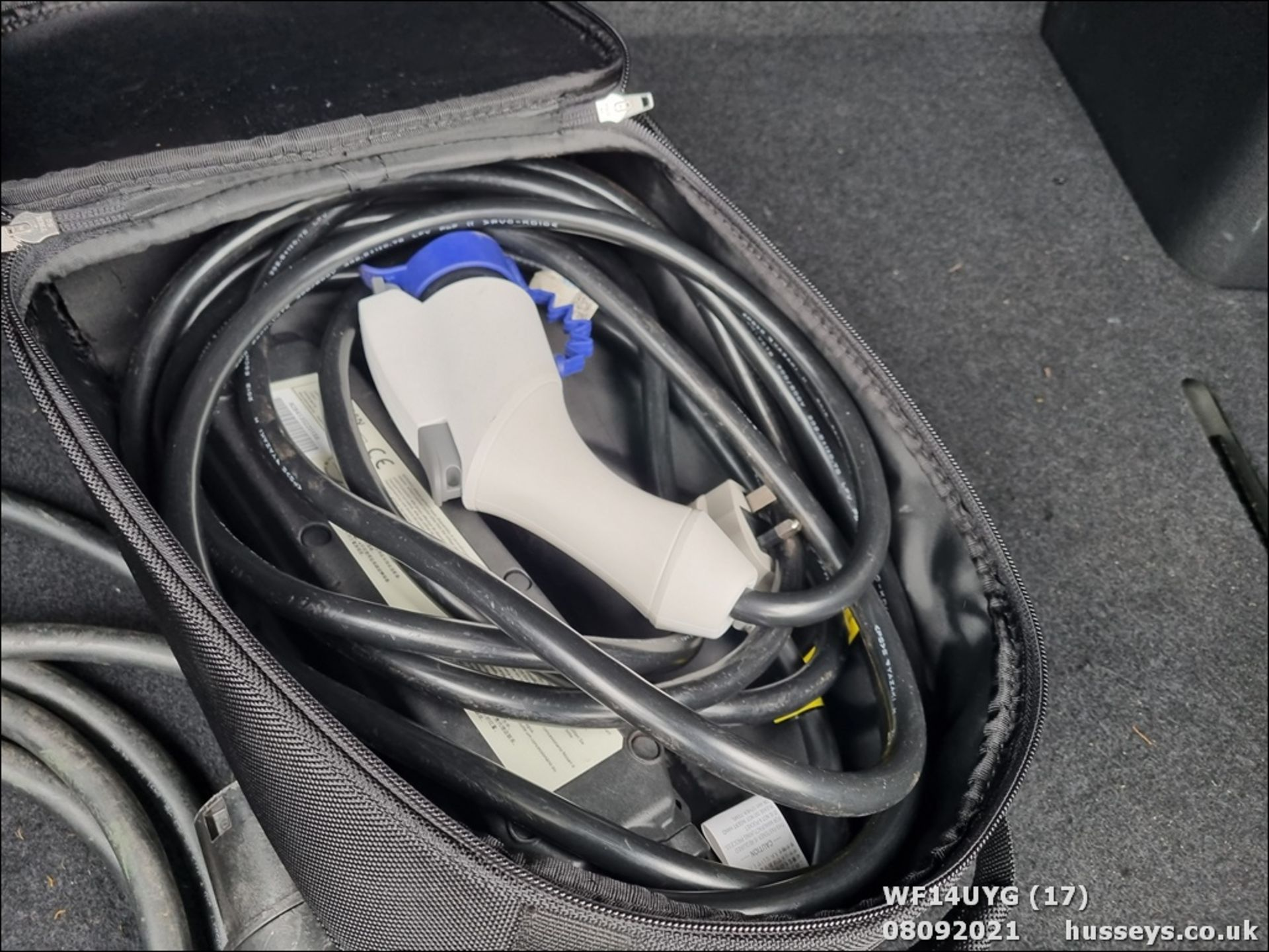 14/14 NISSAN LEAF ACENTA 5dr Hatchback (Silver, 19k) - Image 17 of 26