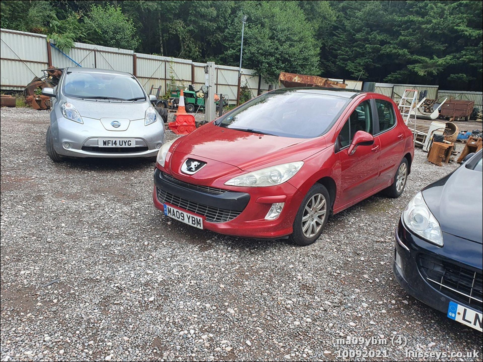 09/09 PEUGEOT 308 SE HDI - 1560cc 5dr Hatchback (Red) - Image 3 of 19