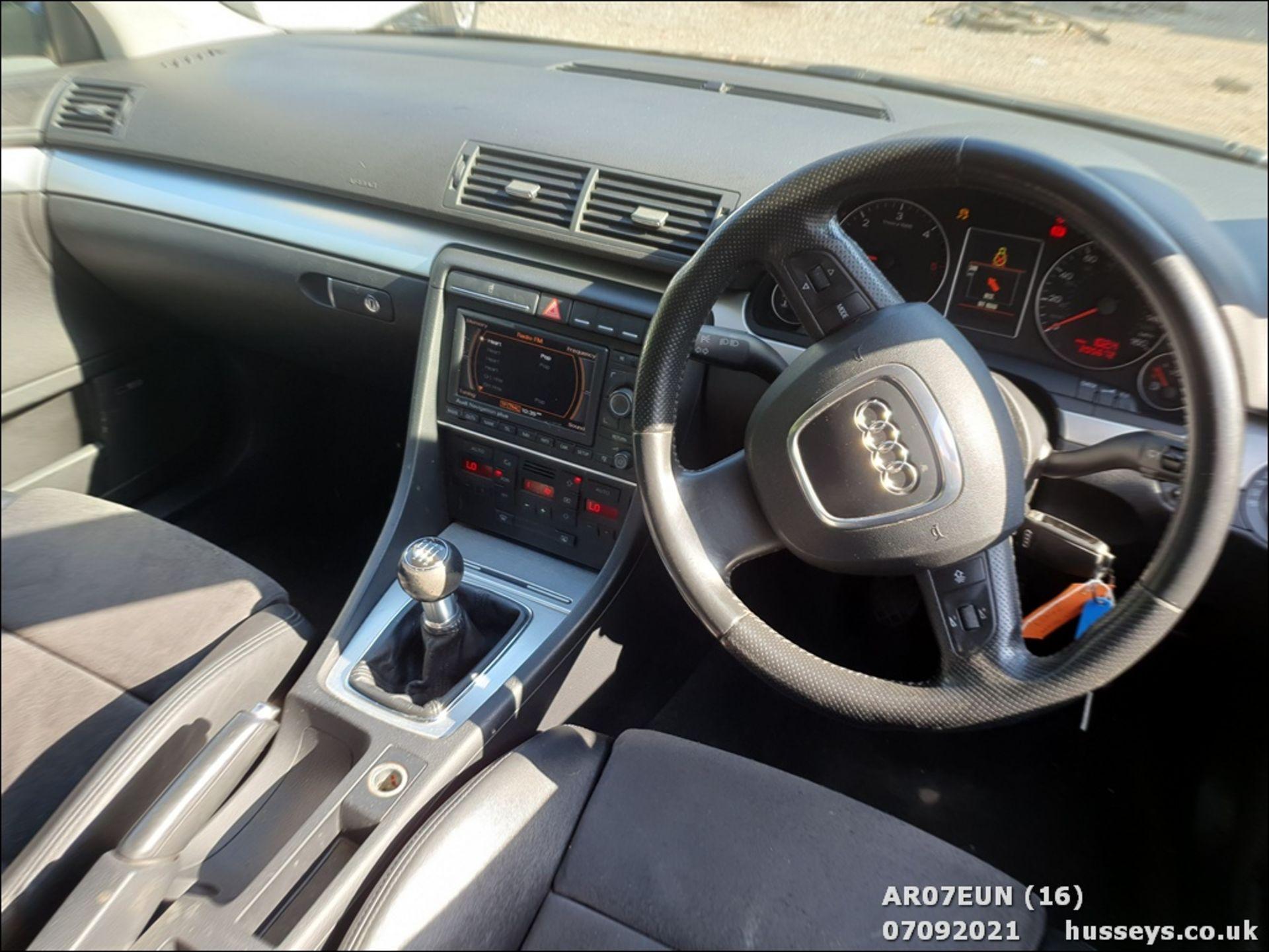 07/07 AUDI A4 AVANT S LINE TDI 140 - 1968cc 5dr Estate (Grey, 205k) - Image 15 of 17