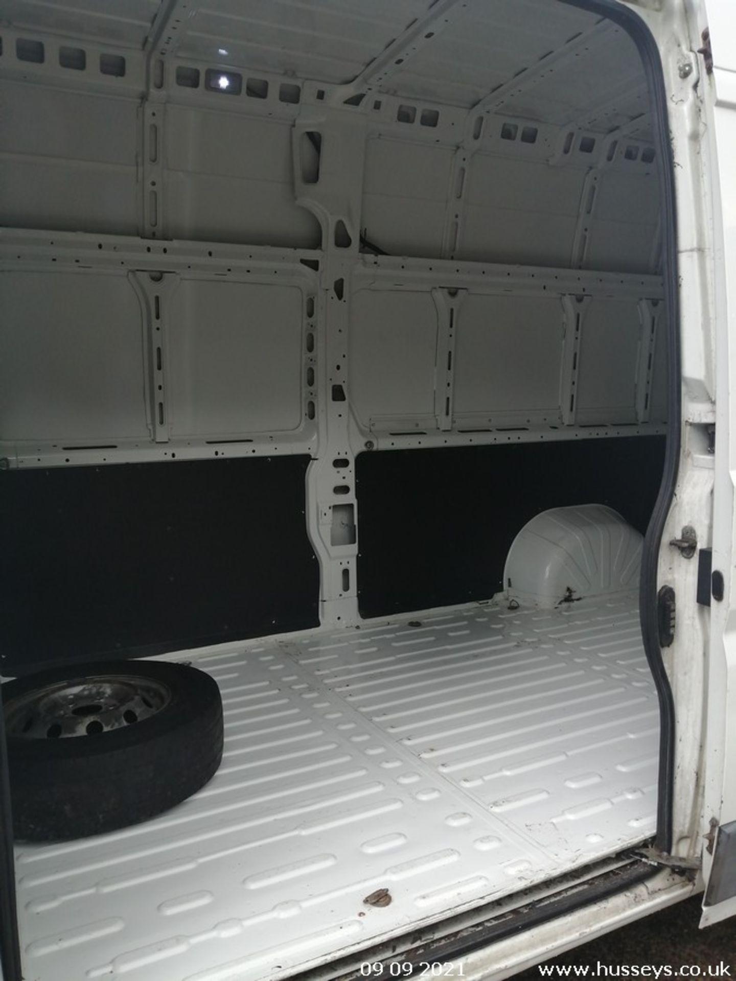 11/61 FIAT DUCATO 35 MAXI160 M-J LWB - 2999cc 5dr Van (White, 108k) - Image 9 of 12