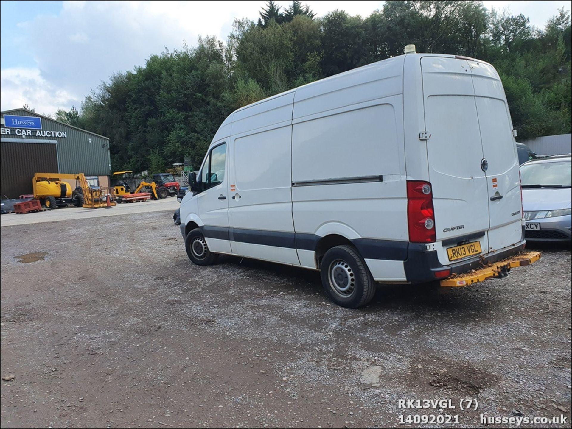 13/13 VOLKSWAGEN CRAFTER CR35 TDI 143 MWB - 1968cc 5dr Van (White, 75k) - Image 7 of 13