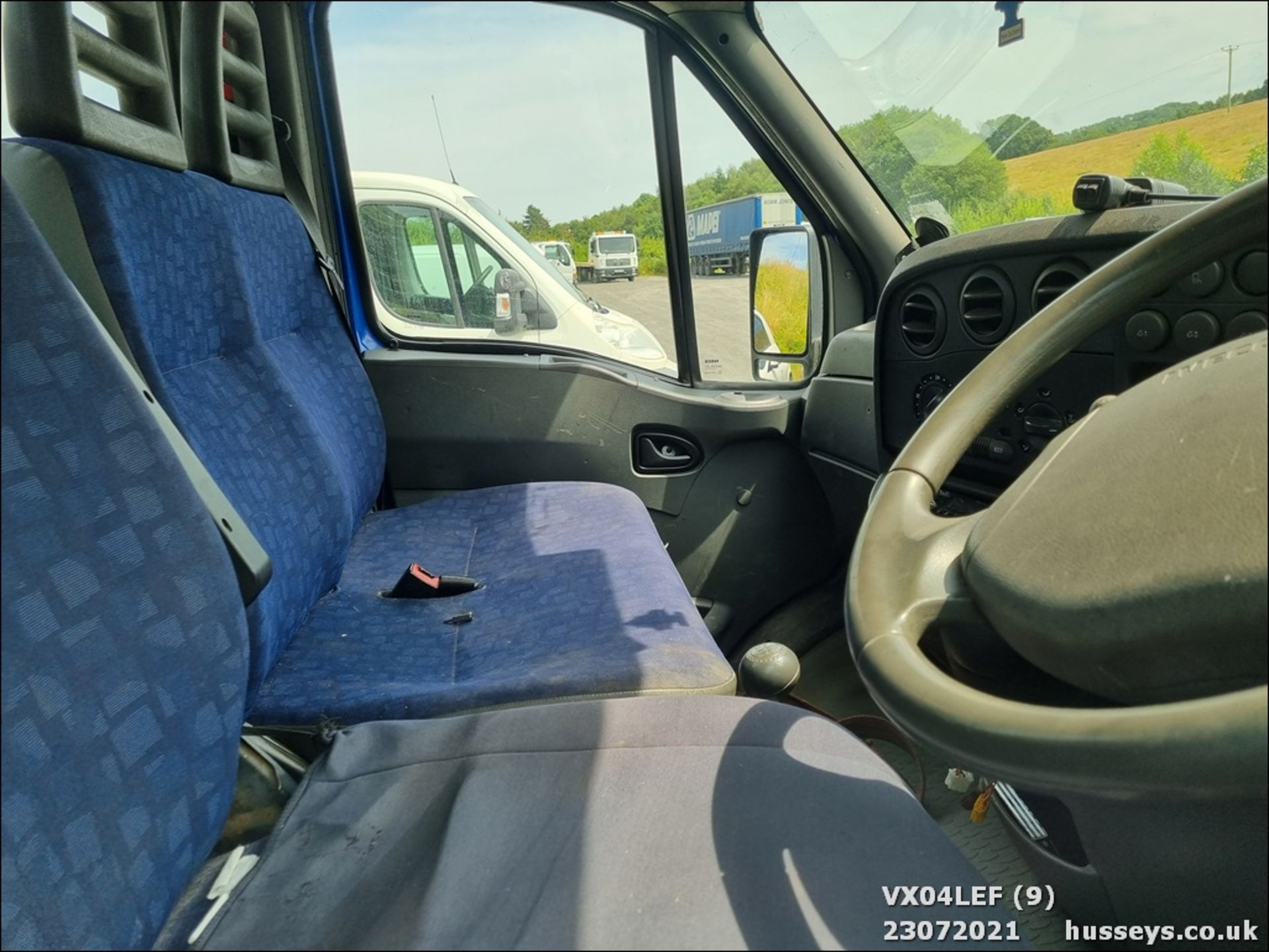 04/04 IVECO DAILY 50C15 4.4WB - 2800cc (Blue) - Image 9 of 9