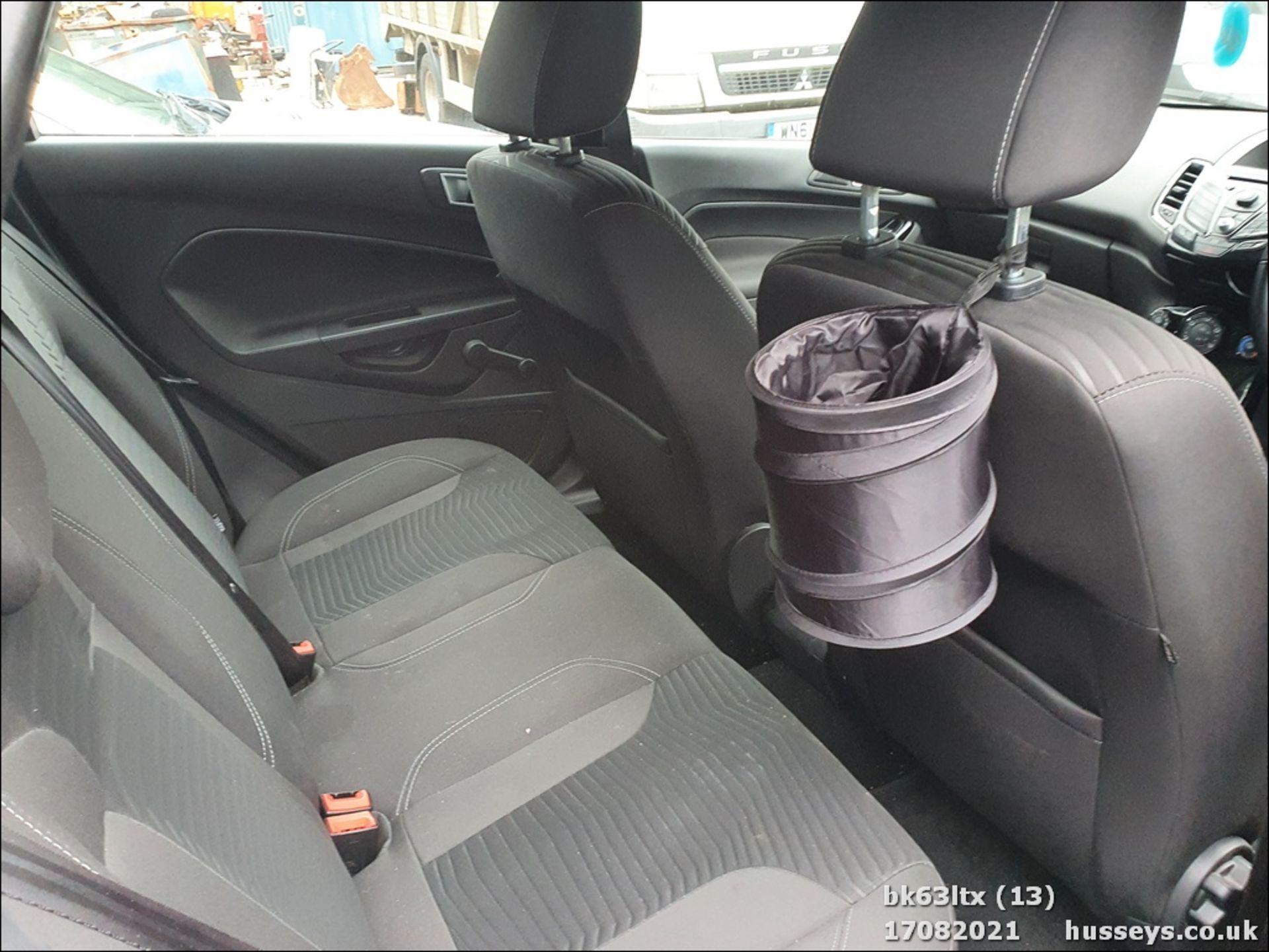 13/63 FORD FIESTA ZETEC - 998cc 5dr Hatchback (Black, 53k) - Image 14 of 16