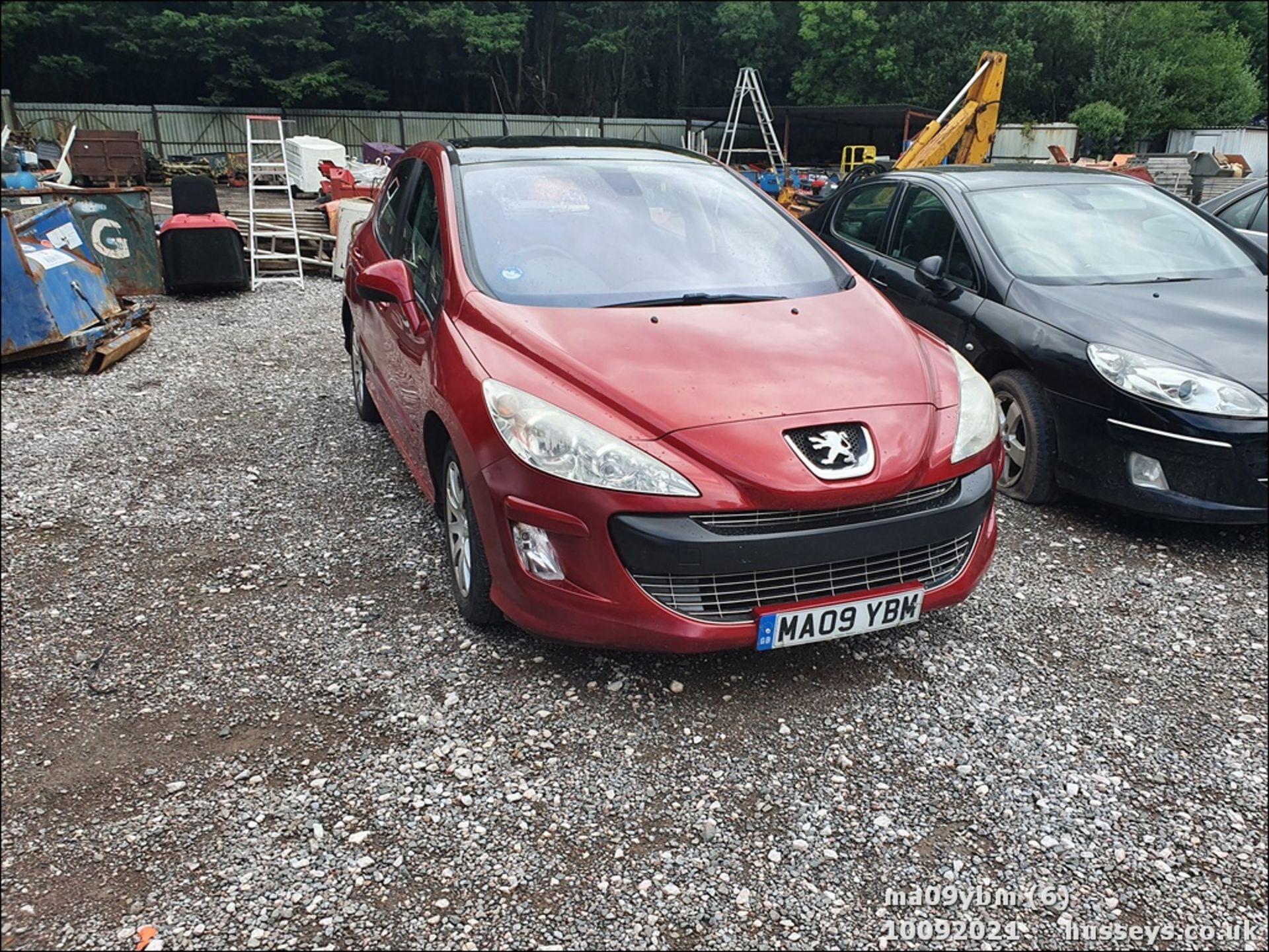 09/09 PEUGEOT 308 SE HDI - 1560cc 5dr Hatchback (Red) - Image 5 of 19