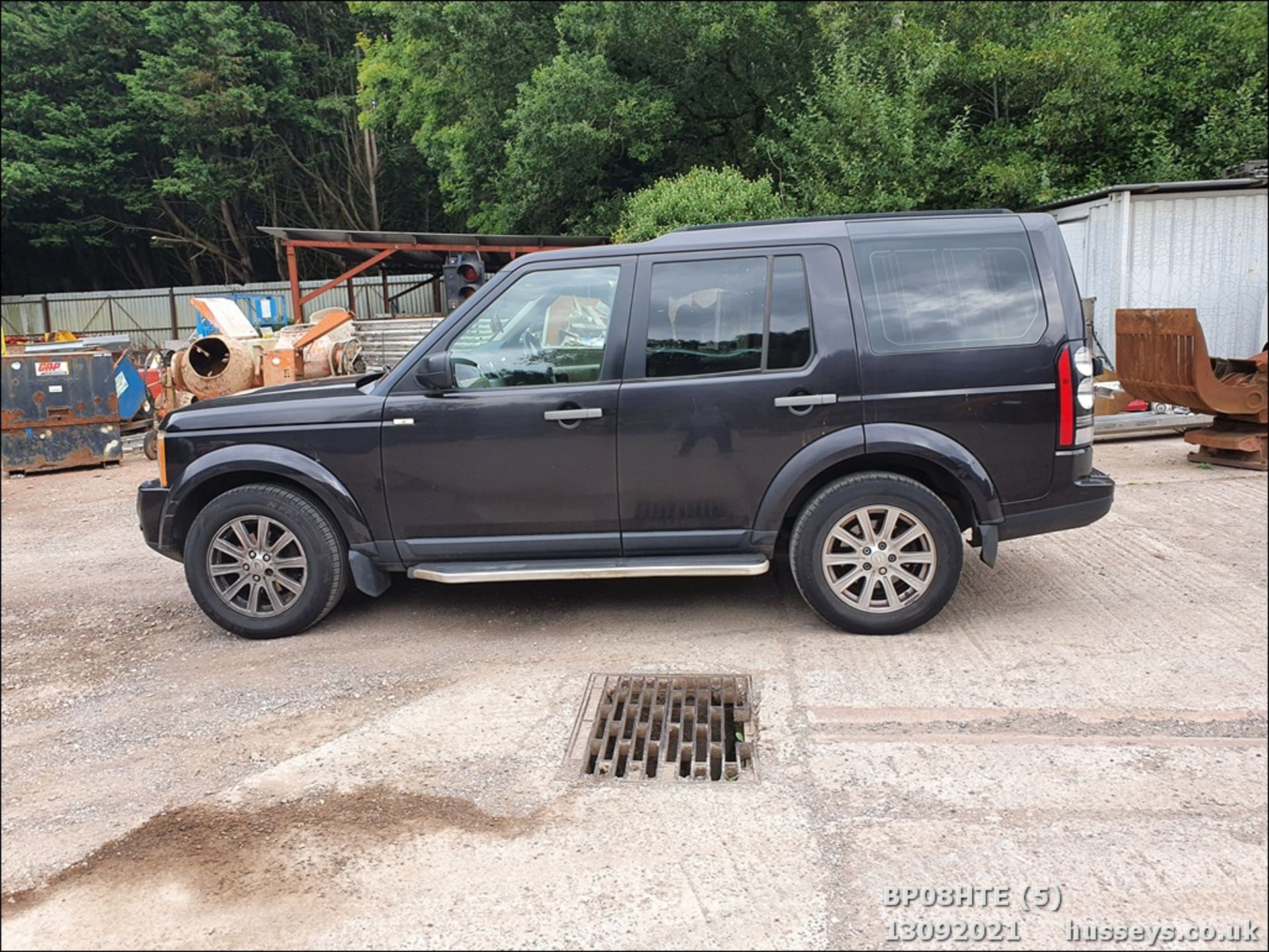 08/08 LAND ROVER DISCOVERY TDV6 SE A - 2720cc 5dr Estate (Brown, 190k) - Image 5 of 18