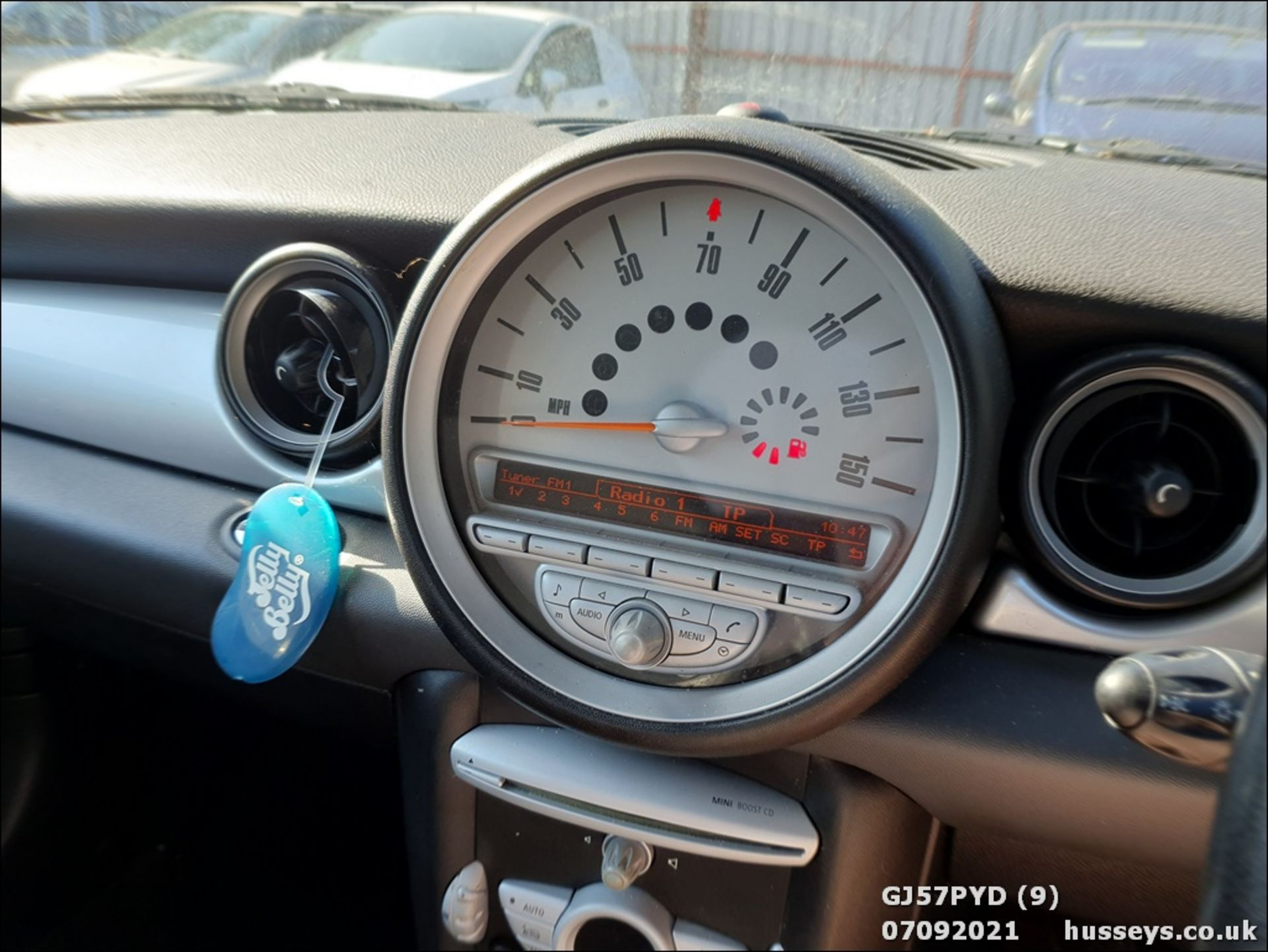 07/57 MINI COOPER - 1598cc 3dr Hatchback (Blue) - Image 9 of 12