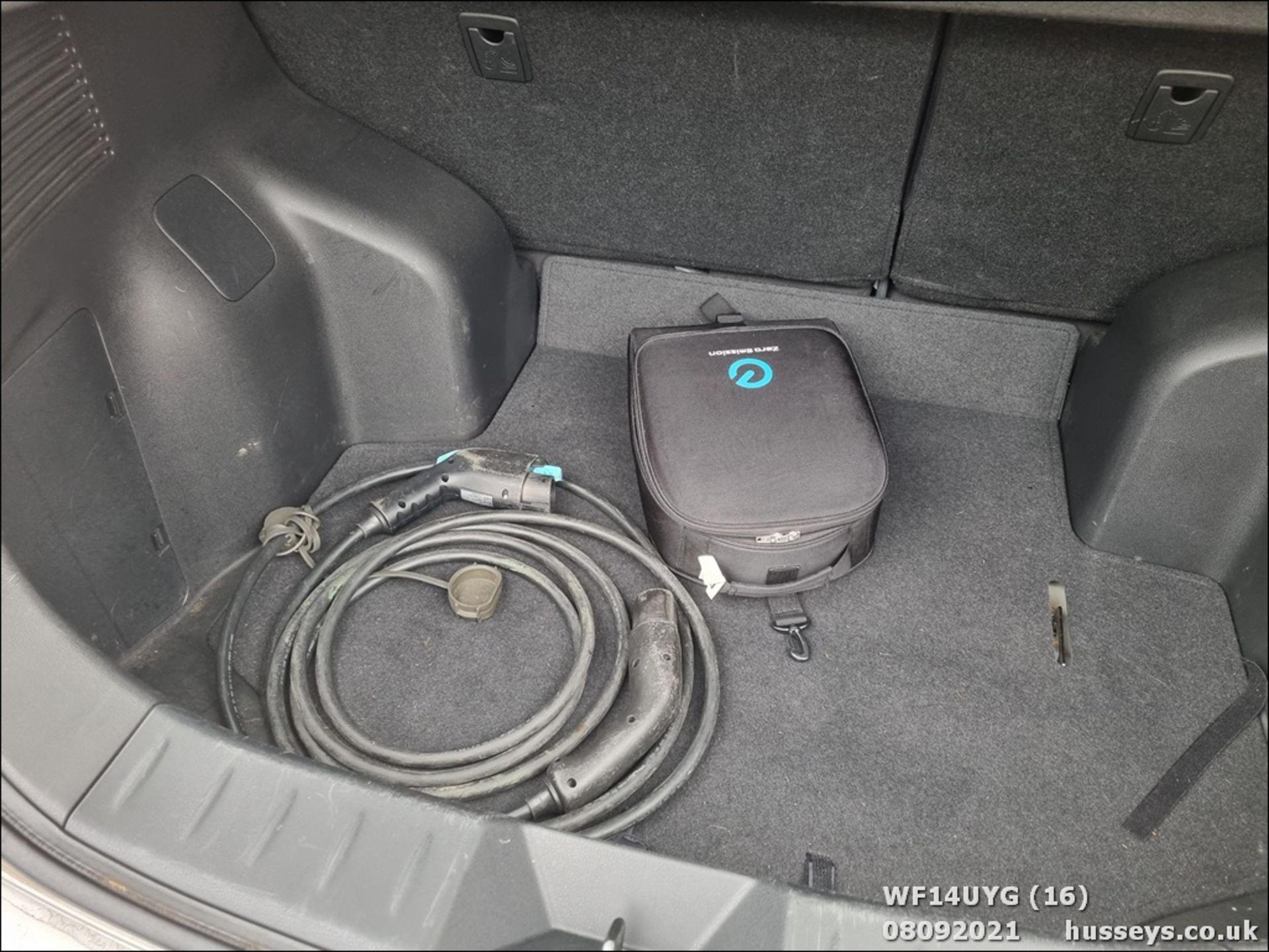 14/14 NISSAN LEAF ACENTA 5dr Hatchback (Silver, 19k) - Image 16 of 26