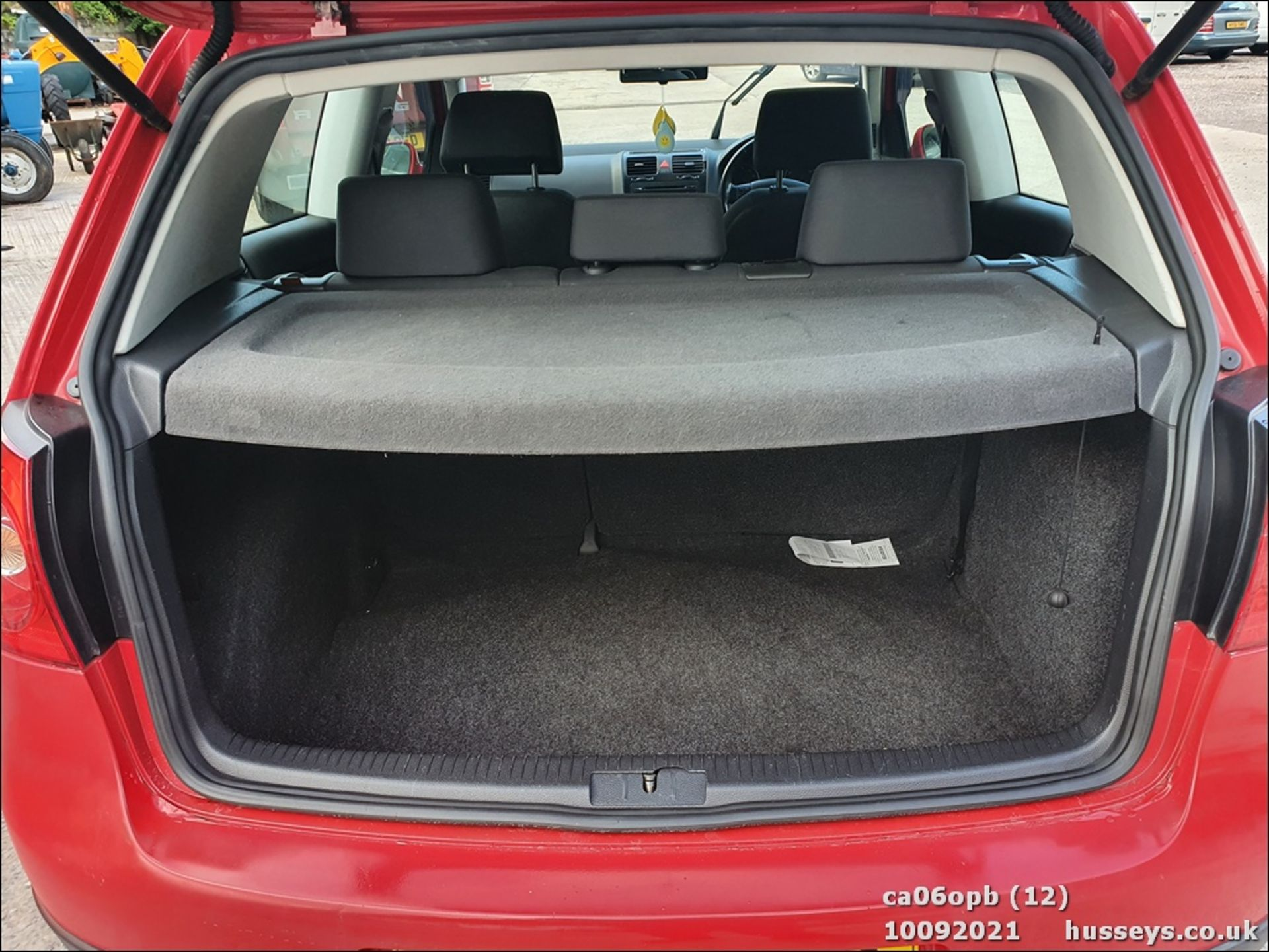 06/06 VOLKSWAGEN GOLF S - 1390cc 3dr Hatchback (Red, 131k) - Image 12 of 18