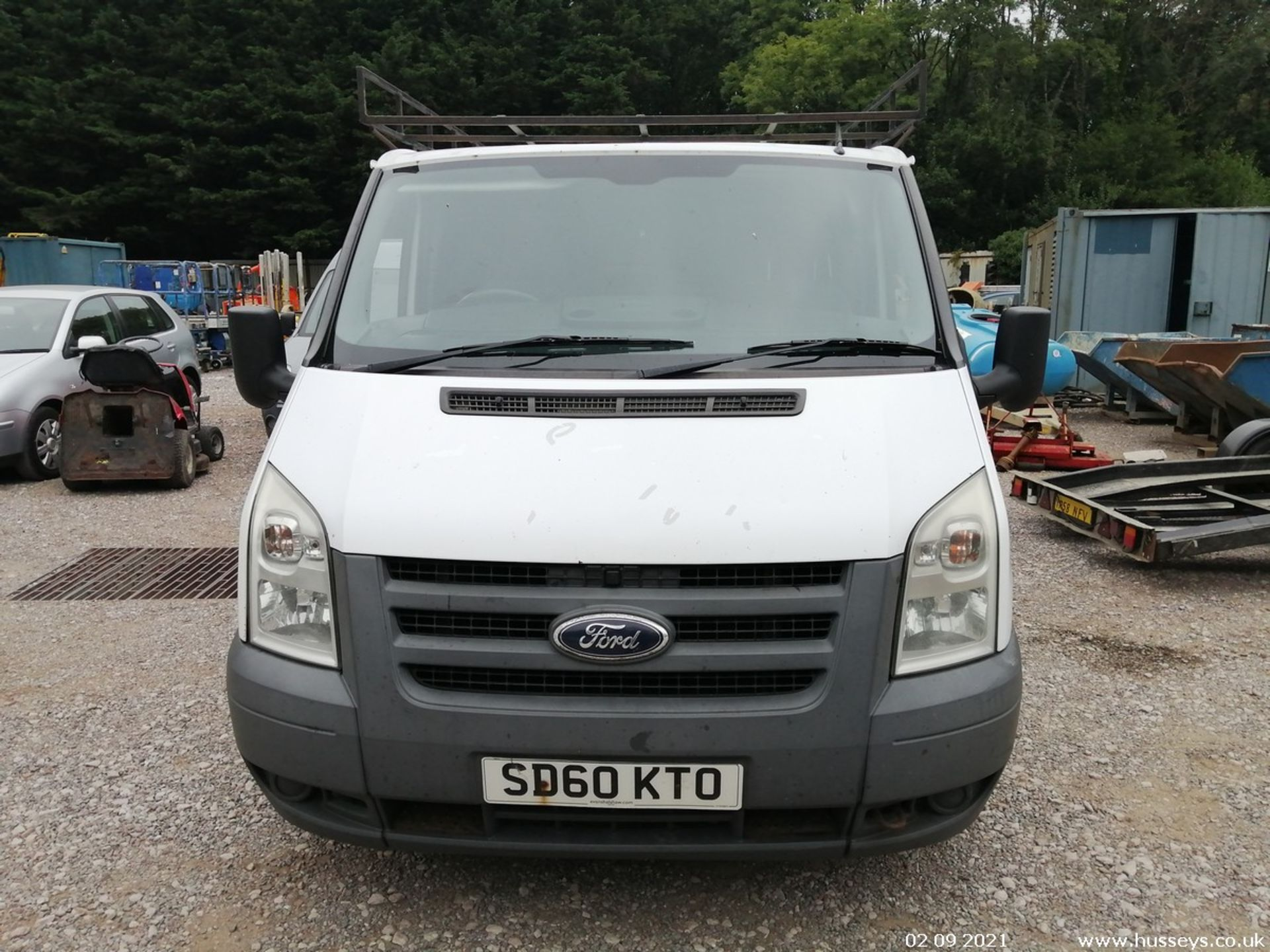 10/60 FORD TRANSIT 85 T260M FWD - 2198cc 5dr Van (White, 237k) - Image 5 of 23