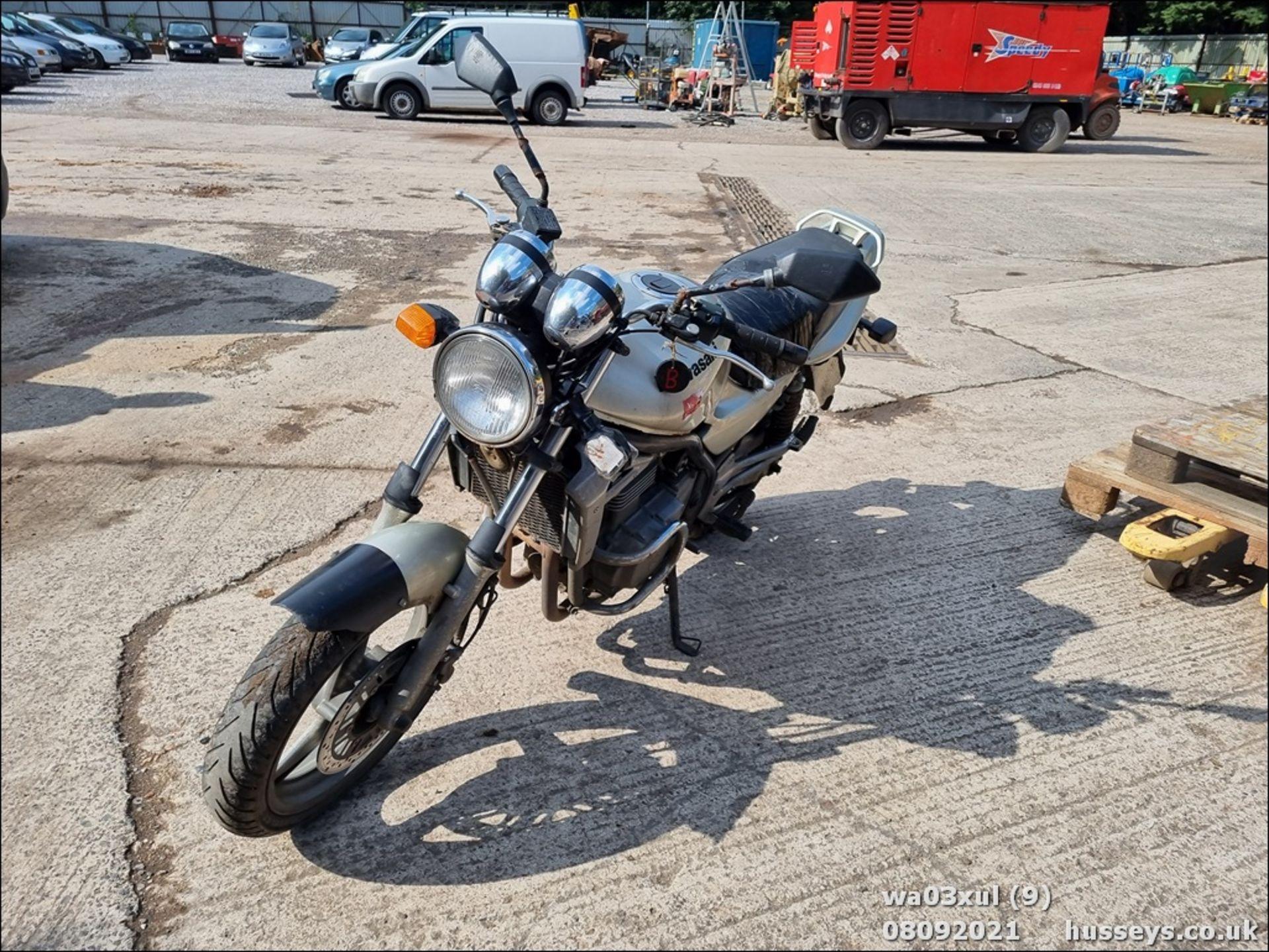 03/03 KAWASAKI ER500-C1 - 498cc Motorcycle (Gold) - Image 8 of 16